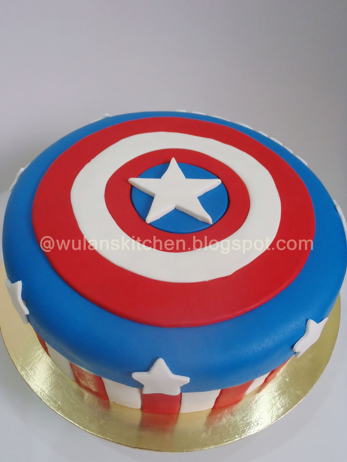 Cake Captain America Pinterest : Pin Sparklinbecks Captain America Cookies Cupcakes And ...
