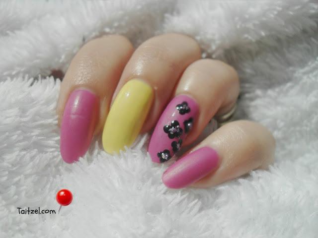 Purple nail art water decals and dots manichiura model de unghii oja mov