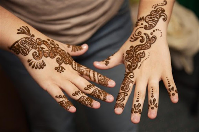 Upper Side hand Mehndi Designs 2012