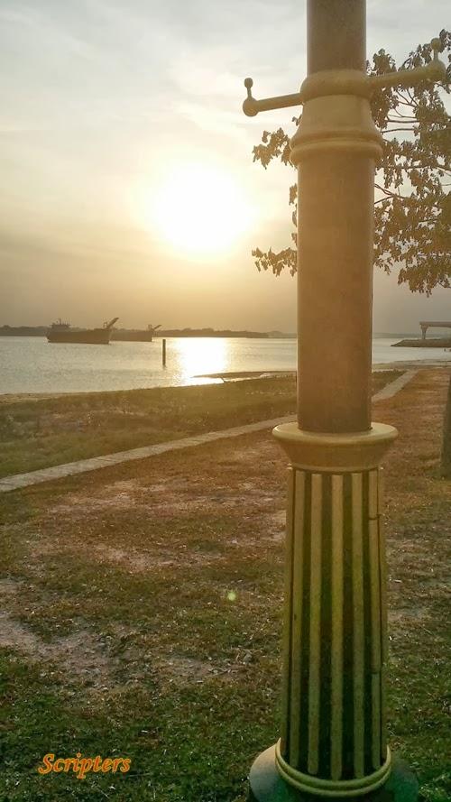 Senja Di Pantai Lido