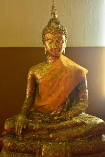 Gold Buddha at Wat Phra Mongkhol Bophit_02