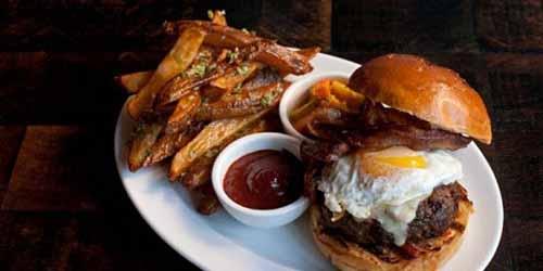 Burger Rendang Burger Paling Enak di Dunia