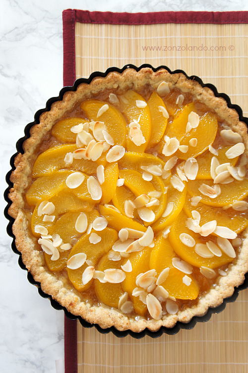 Crostata di pesche sciroppate e mandorle ricetta dolce - syrup peaches and almonds tart recipe