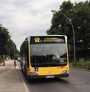 """Bus: Ergänzung zu """"be Berlin"""", heute mit kleinem Logo"""