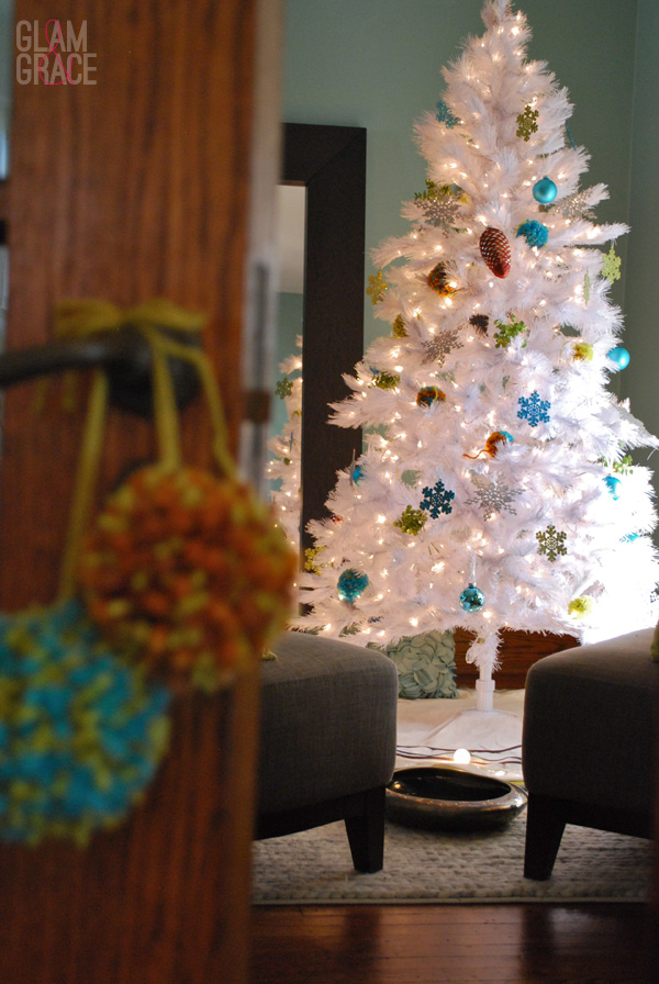 DIY decorating for christmas with yarn pom poms