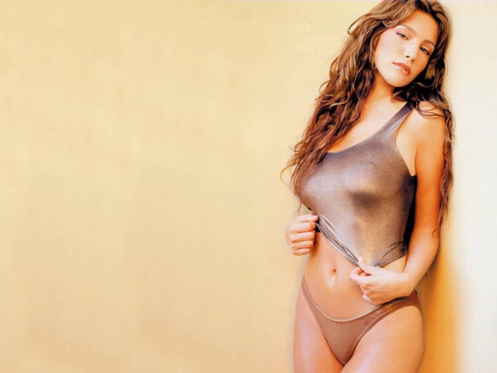http://1.bp.blogspot.com/-JHuTW6LjZZg/ThH_SUPLFsI/AAAAAAAAAP0/gxtsq4FHGMQ/s1600/kelly-brook-bikini-25.JPG