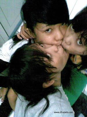 tiga cewek,abg,lesbian