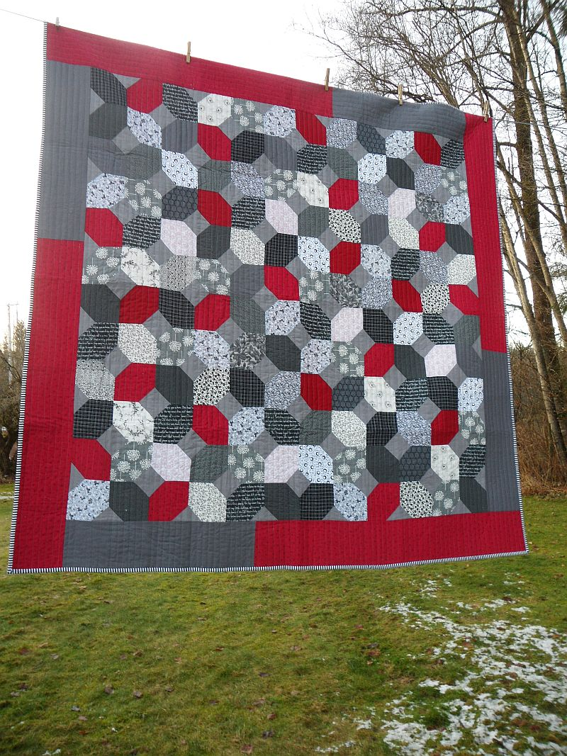 Blueberry Patch: Finished! : red and grey quilt - Adamdwight.com