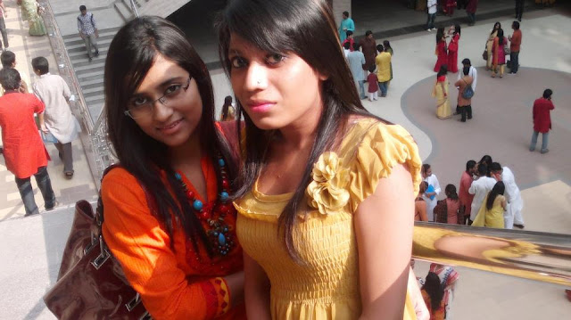 Dhaka-City-College-Hot-Girls