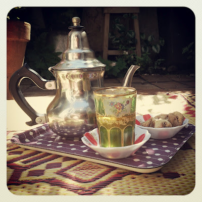 tea, figs, turkish teapot, garden