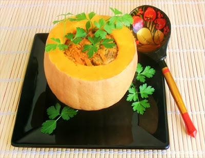 zucca ripiena di carne di suino e verdure