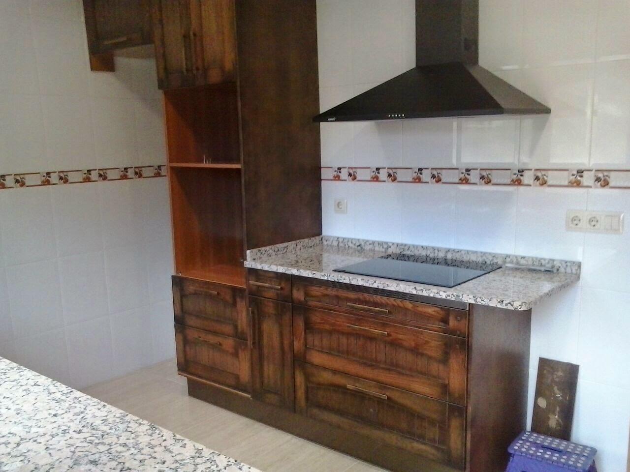 Cocina en madera maciza encimera granito rosavel 3 cms - Encimeras de madera maciza ...