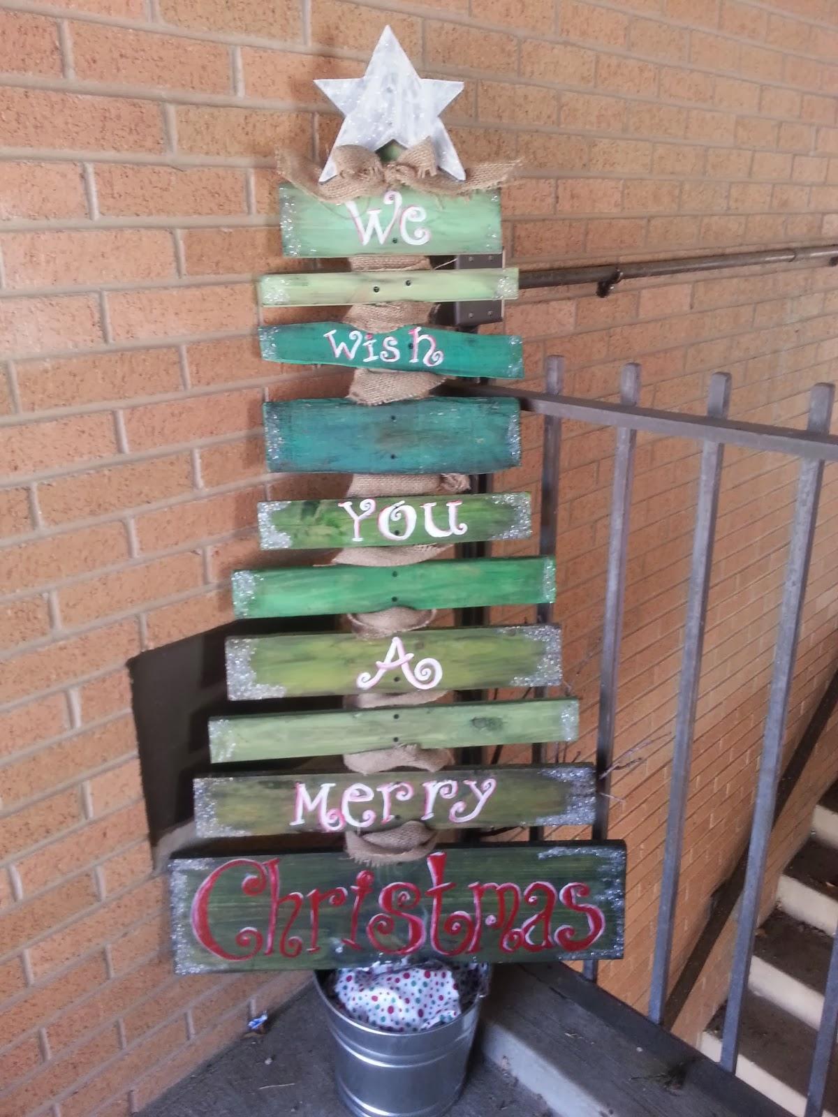 merry christmas - Rustic Wood Christmas Tree