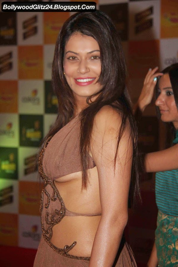 Sexy Photos of Actress and Girls - Bollywood Actress Oops ...