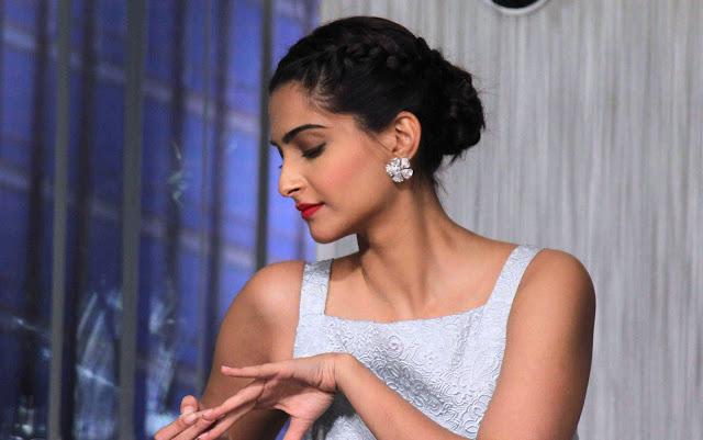'Prem Ratan Dhan Payo' actress Sonam Kapoor 100 HD Images & Wallpapers
