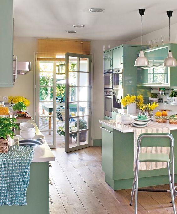 Las cocinas de verano son de color verde mi casa es feng for Cocinas empapeladas