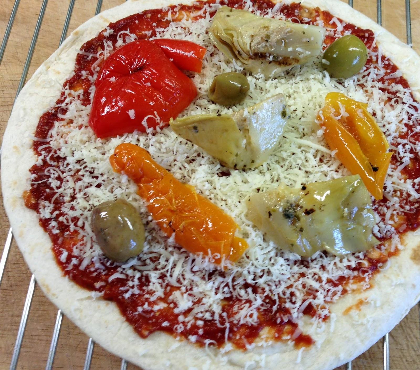 Pizza made from flour tortilla
