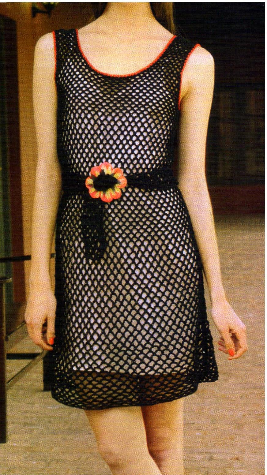 tejidos artesanales en crochet: vestido tejido en crochet en punto red