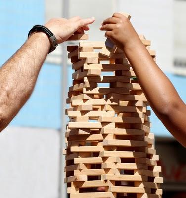 Turm aus Bausteinen