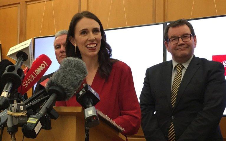 新しい連立 NZ 首相:  労働党 Jacinda Arders (37)