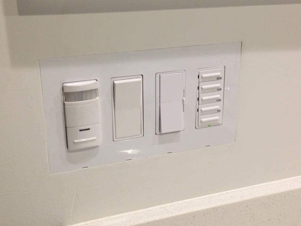 4-gang Smoothline flush-mount wall plate