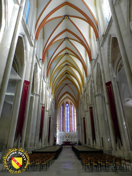 TOUL (54) - La cathédrale Saint-Etienne (Intérieur)