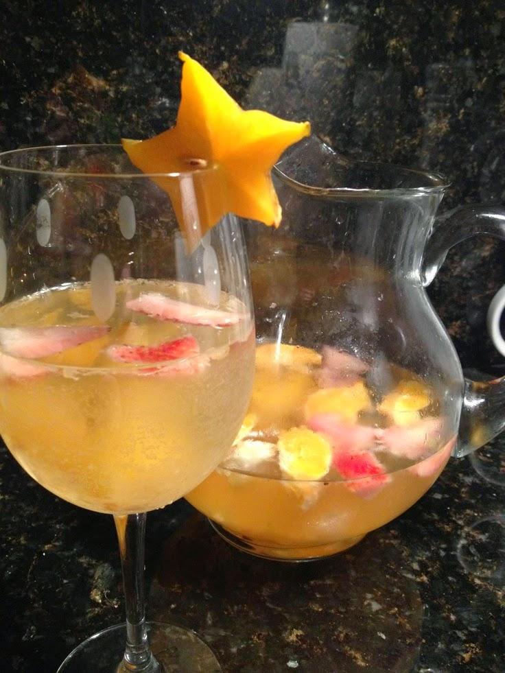 white-wine-sangria-starfruit