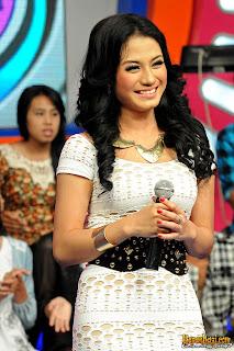 Foto Lina Marlina Terbaru|foto hot lina marlina|lina marlina-kiwil|foto dangdut koplo