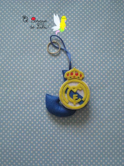 Llavero-en-fieltro-personalizado-Real-Madrid-Jose-regalo-dia-del-padre-San-José