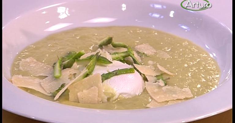 Ricette tv crema di asparagi con uovo poch e guanciale - Pronto in tavola alice ...