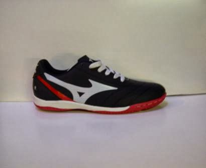sepatu Mizuno murah,sepatu futsal mizuno.