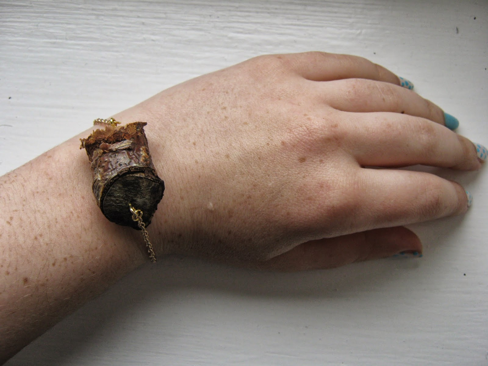 Broken Branch Wood Bracelet Tutorial