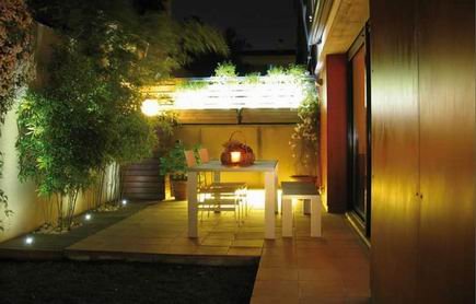 Ideas decorar terraza aprender hacer bricolaje casero for Lamparas de exterior para terrazas