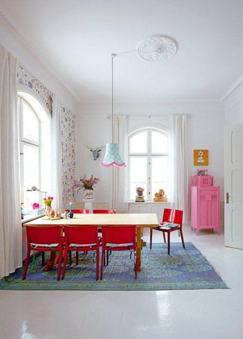 light house with bright furniture and accents 1 ไอเดียการตกแต่งบ้านหวานๆจากเดนมาร์ก