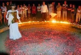 الرقص علي النار الهنود التراسيانس Tracians - dancing on fire india
