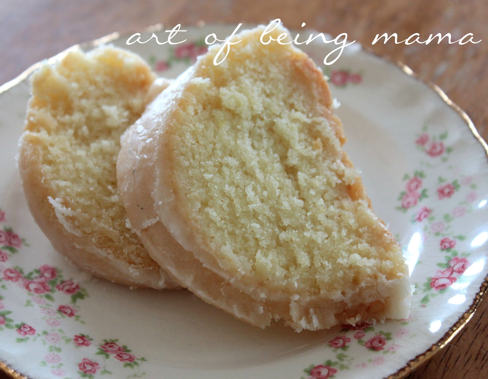 The Art of Being Mama: A Family Favorite Recipe :: Lemon Pound Cake