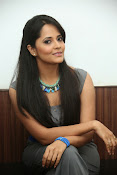 Anasuya latest sizzling photos-thumbnail-19