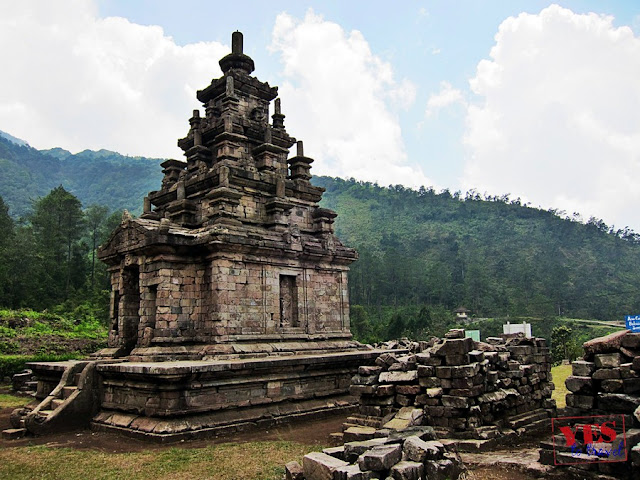 Gedong IV - Candi Gedong Songo Java Indonesia
