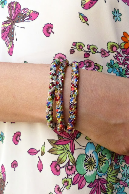 Multi-coloured glass beads bracelets