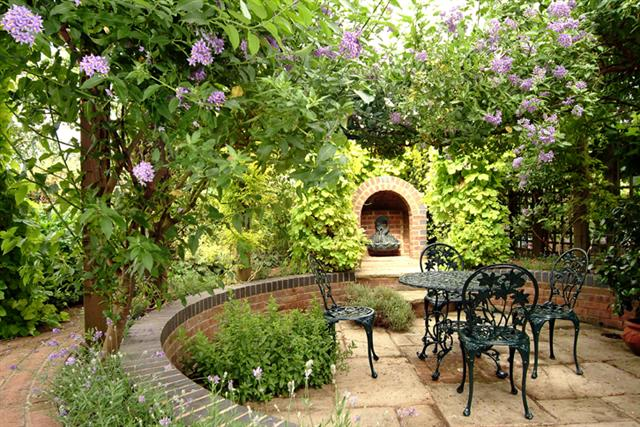 Free stuff she fun videos club small garden design ideas for Small terrace garden design ideas