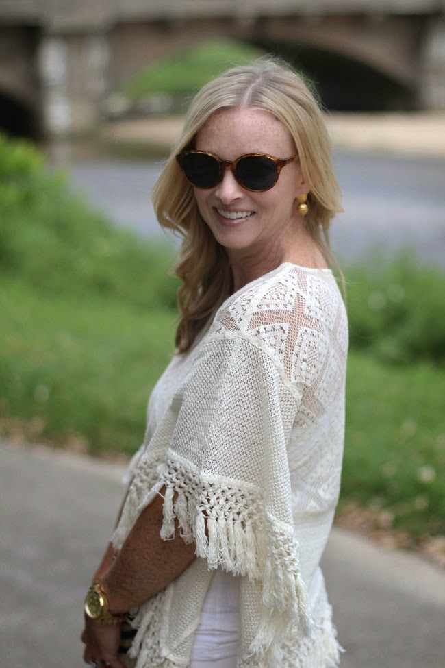 mango crochet poncho, elizabeth and james sunglasses, julie vos acorn earrings