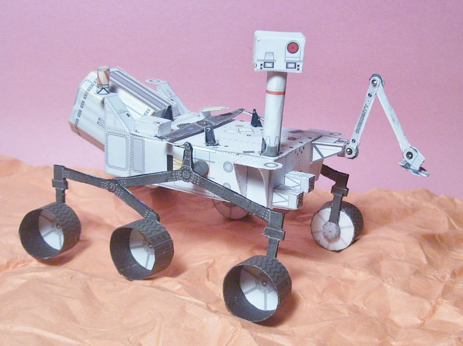 curiosity rover scale model - photo #1