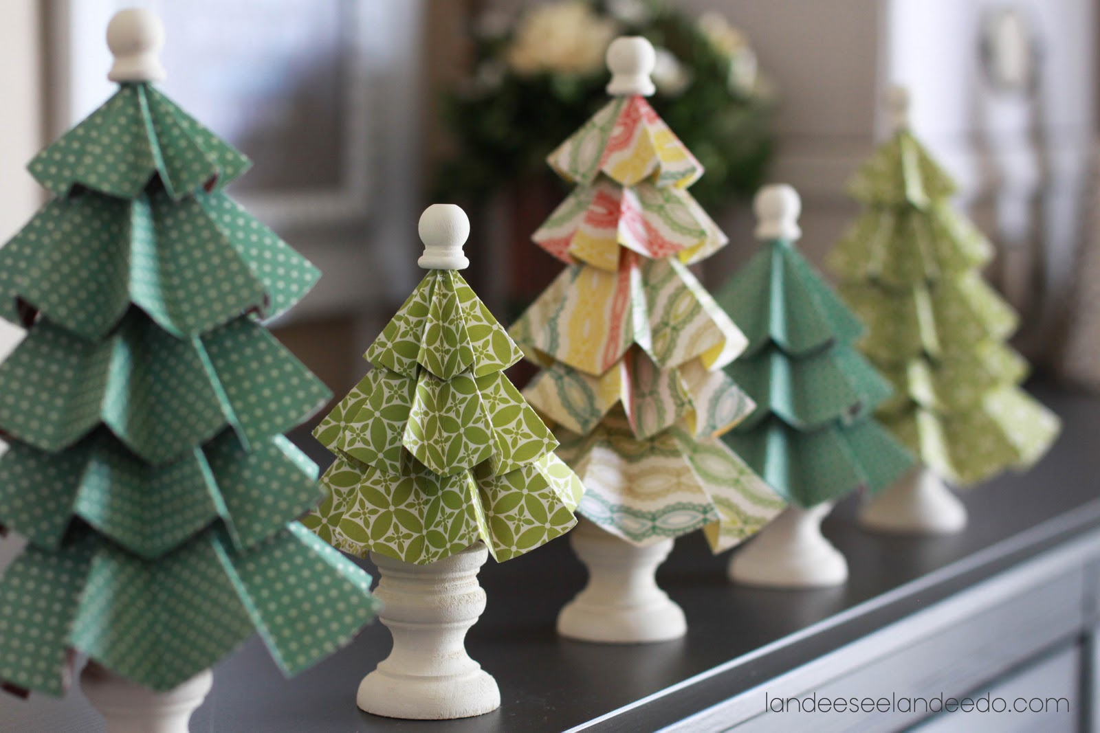 Новогодние елки фото из бумаги