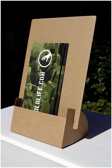 Brochure Zafira Pics: Cardboard Brochure Holder