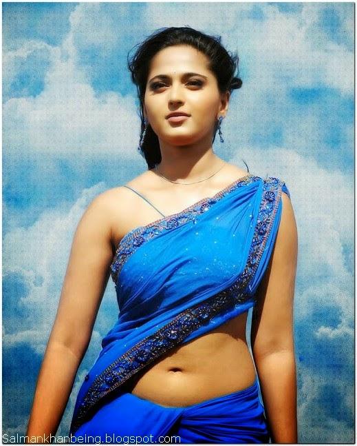 Anushka Shetty looking hot in saree