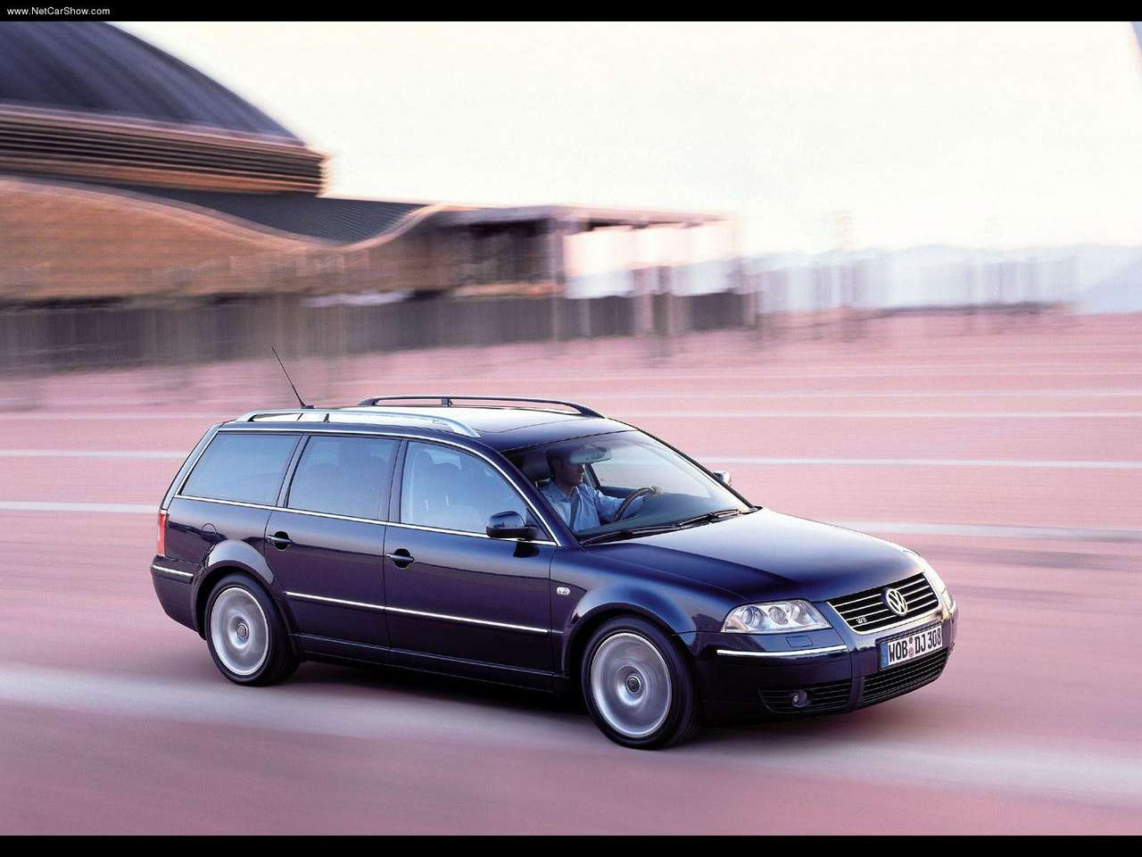 http://1.bp.blogspot.com/-JLjh4o7BjyQ/TXs37KDfwHI/AAAAAAAANNA/MvYJ_2da0OQ/s1600/Volkswagen-Passat_W8_Variant_2001_1280x960_wallpaper_02.jpg