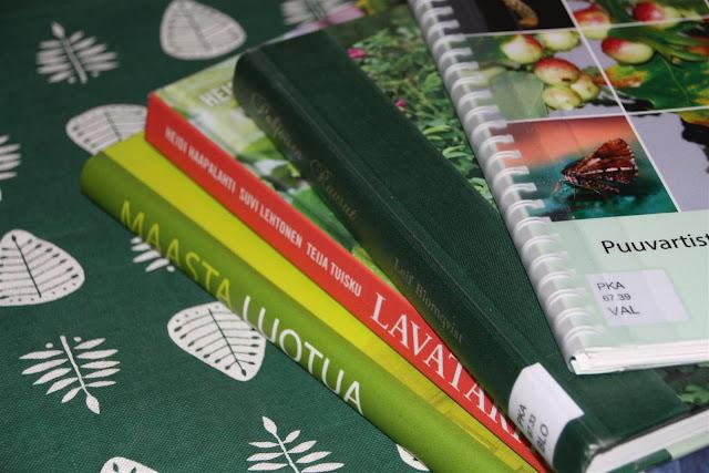 puutarhakirja, kirja-arvostelu