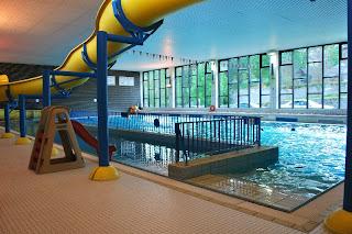 piscine toboggan LA TOURETTE BIESME METTETS