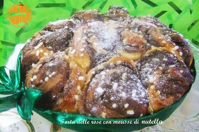 torta delle rose  con mousse di nutella