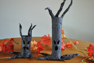DIY easy Halloween Haunted Tree decoration with a tea light. A fun Disney theme inspired Halloween decoration